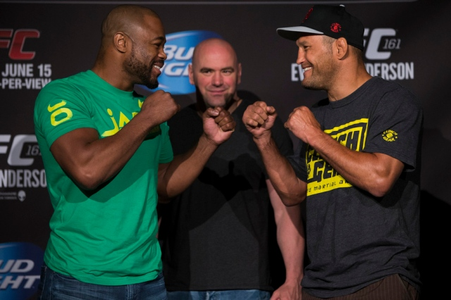 Rashad Evans and Dan Henderson